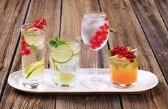 De dranken van de zomer stock afbeeldingen