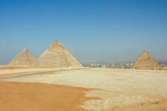 De drie Piramides van Gizeh stock afbeeldingen