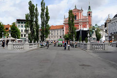 De drievoudige Brug in Ljubljana, Slovenië Stock Afbeeldingen
