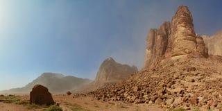De drijf afgelopen Lente van Lawrence ` s, Wadi Rum, Jordanië Royalty-vrije Stock Foto