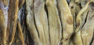 De droge vissen worden voorgesteld bij Binh Tay-markt in Ho Chi Minh City, Vietnam royalty-vrije stock foto's
