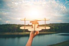 De droom van een kind dat wil overal vliegen Stock Fotografie