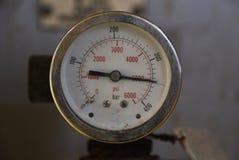De drukmaat voor het meten van druk in het systeem, Olie en gasproces gebruikte drukmaat om drukvoorwaarde binnen te controleren Stock Fotografie