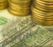 De dubbele blootstelling van dollarsbankbiljet met investeringsrapport Royalty-vrije Stock Afbeelding