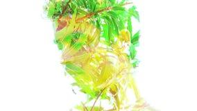 De dubbele blootstelling van een jong knap man'sportret mengde met heldergroene bladeren met rode vruchten, die de perfecte sch vector illustratie