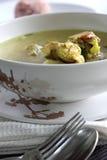 De Duidelijke soep van de kip Stock Afbeeldingen