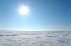 De duidelijke verlichte zon van de sneeuw Stock Afbeelding