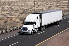 De duidelijke witte vrachtwagen voegt uw eigen naam toe Stock Afbeelding