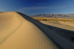 De duinen van het zand in de Vallei van de Dood Stock Afbeelding