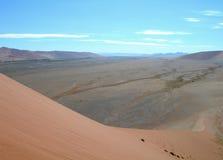 De duinen van het zand in de woestijn van Kalahari stock fotografie