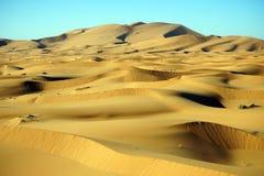 De duinen van het zand in de Sahara Stock Fotografie