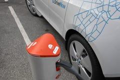 DE DUITSE ELEKTRISCHE AUTO VAN BMW DOOR ARRIVA Stock Foto