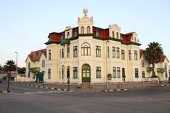 De Duitse stijlbouw in Swakopmund, Namibië stock fotografie