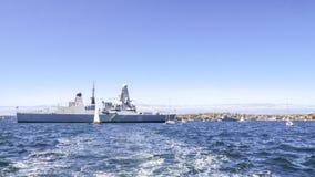 De Durvende D32 Koninklijke de Marinetorpedojager van HMS legt in de haven van Sydney voor het deelnemen aan Internationaal Vloot Royalty-vrije Stock Afbeelding