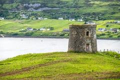 De dwaasheid van kapiteinsfrasers in Uig, Eiland van Skye - Schotland stock foto