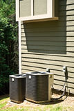 De Eenheden van de Airconditioner op Huis Royalty-vrije Stock Afbeeldingen
