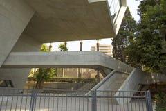 De eenheid van de drie afmetingen in de architectuur van het bouwinstituut van Politiek stock afbeelding