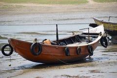 De eenzame boot royalty-vrije stock afbeelding