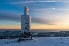 De eenzame bouw op de bovenkant van Snezka Royalty-vrije Stock Fotografie