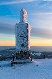 De eenzame bouw op de bovenkant van Snezka Stock Fotografie