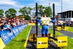 De eerste ronde van de strongman Kop van de Oekraïne vond in Storoz plaats royalty-vrije stock afbeelding