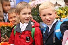De eerste vraag 1 september, Kennisdag in Russische school Dag van kennis Eerste Dag van School Stock Afbeeldingen