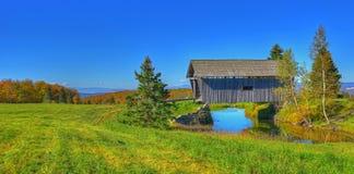 19de Eeuw behandelde brug in landelijk Vermont HDR Stock Fotografie