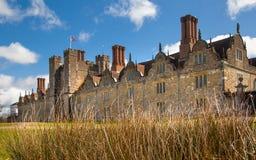 15de eeuw van het Sevenoaks de Oude Engelse herenhuis Het klassieke Engelse zijhuis van het land Stock Afbeeldingen