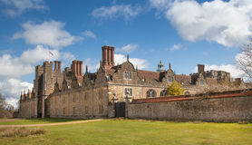 15de eeuw van het Sevenoaks de Oude Engelse herenhuis Het klassieke Engelse zijhuis van het land Stock Foto's