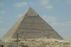 De Egyptische piramide grote reusachtige zomer Stock Afbeeldingen