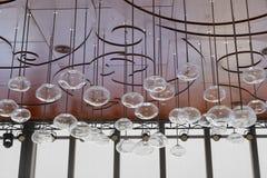 De eigenaardige kroonluchter van het vormglas Stock Fotografie