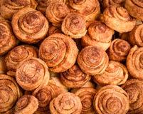De eigengemaakte cakes van kaneelbroodjes Royalty-vrije Stock Foto