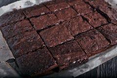 De eigengemaakte chocolade brownies maded van cacaopoeder Stock Afbeelding