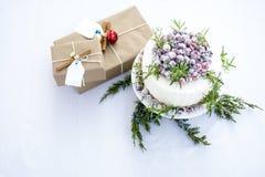 De eigengemaakte Fonkelende Cake van de Amerikaanse veenbes Witte Chocolade Royalty-vrije Stock Foto