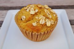 De eigengemaakte muffin van het pompoenhavermeel Stock Afbeeldingen