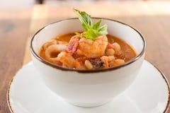 De eigengemaakte Soep van Calamari Fagioli Royalty-vrije Stock Afbeelding