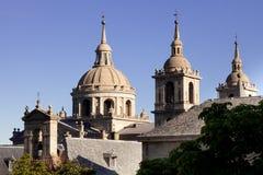 de el escorial lorenzo klostersan spain spires Royaltyfri Foto