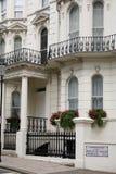 De elegante Huizen in de stad van Londen Stock Afbeeldingen