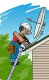 De elektricien installeert de satellietantenne op een dak Royalty-vrije Stock Foto's