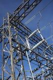 De elektriciteitsinstallatie van de hoogspanning Royalty-vrije Stock Afbeeldingen
