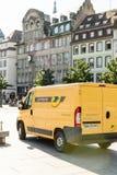 De elektrische bestelwagen op zijn plaats Kleber van Citroën Jumper La Poste Stock Foto's