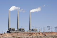 De Elektrische centrale van de woestijn Stock Afbeeldingen