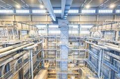 De elektrische centrale van de steenkool De industriebinnenland met boilers Stock Afbeelding