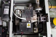 De elektrische het vastbinden machine en verpakkingsmachine Stock Afbeeldingen