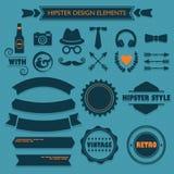 De elementen van het Hipsterontwerp op blauwe gestippelde achtergrond worden geplaatst die Stock Foto's