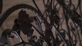De elementen van het kunstsmeedstuk en ijzeromheining Ruwe Metaal Krullende Decoratieve Elementen Uitstekende decorelementen Omhe Stock Afbeelding