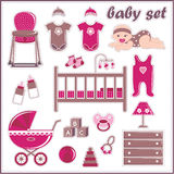 De elementen van het plakboek met de dingen van het babymeisje Stock Afbeeldingen