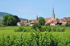 De Elzas, het schilderachtige dorp van mittelbergheim Stock Foto