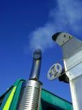 De emissie van de de dieselmotoruitlaat van de vrachtwagen Royalty-vrije Stock Afbeelding