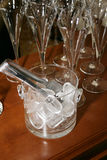 De emmer van het glas met ijs Royalty-vrije Stock Afbeeldingen